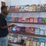 Biblioteca del Jeneba's Mates Centre
